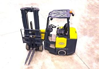 Forklift Truck Industry.jpg