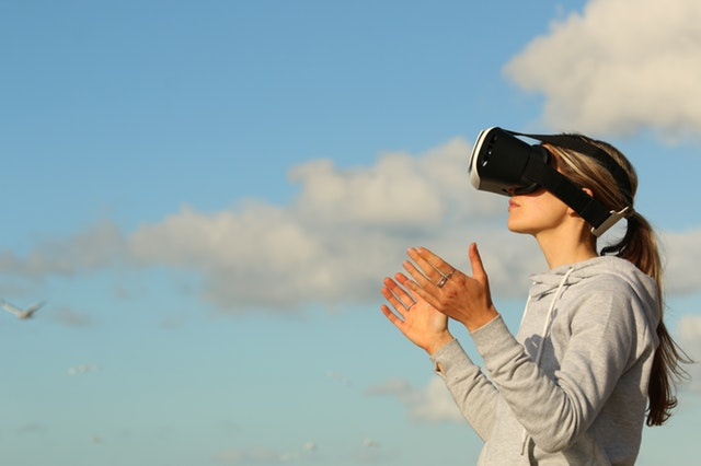VR and Head-Mounted Display.jpeg